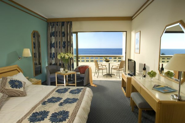 Cyprus_Paphos_Ledra_Beach_Athena_Beach_Hotel_Superior_Room_1_7325ba026c4446ad532785d14c7a817a_600x400