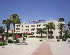 Crown Henipa Hotel