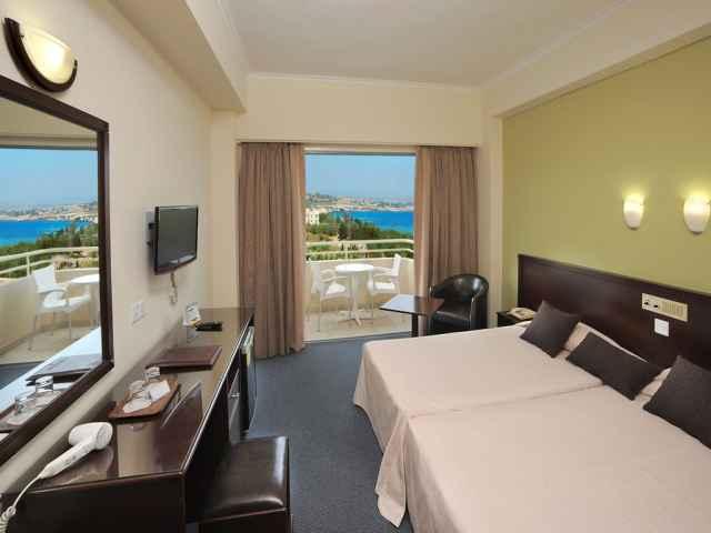 room1745_AT_THE_nestor_hotel