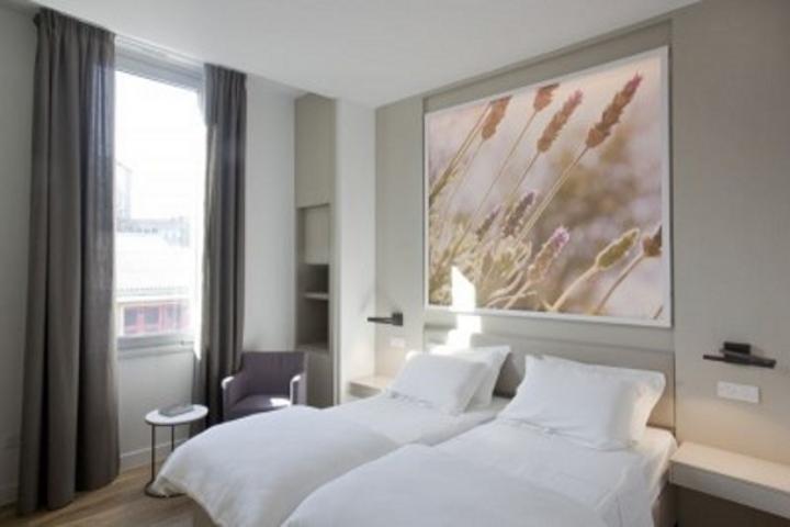 classic_hotel_room