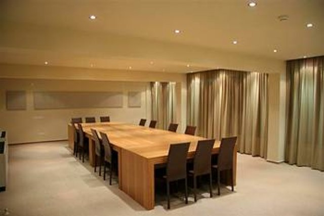 cyprus-hotels-almond-business-suites-meeting-room