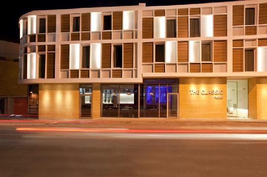 the-classic-hotel-exterior